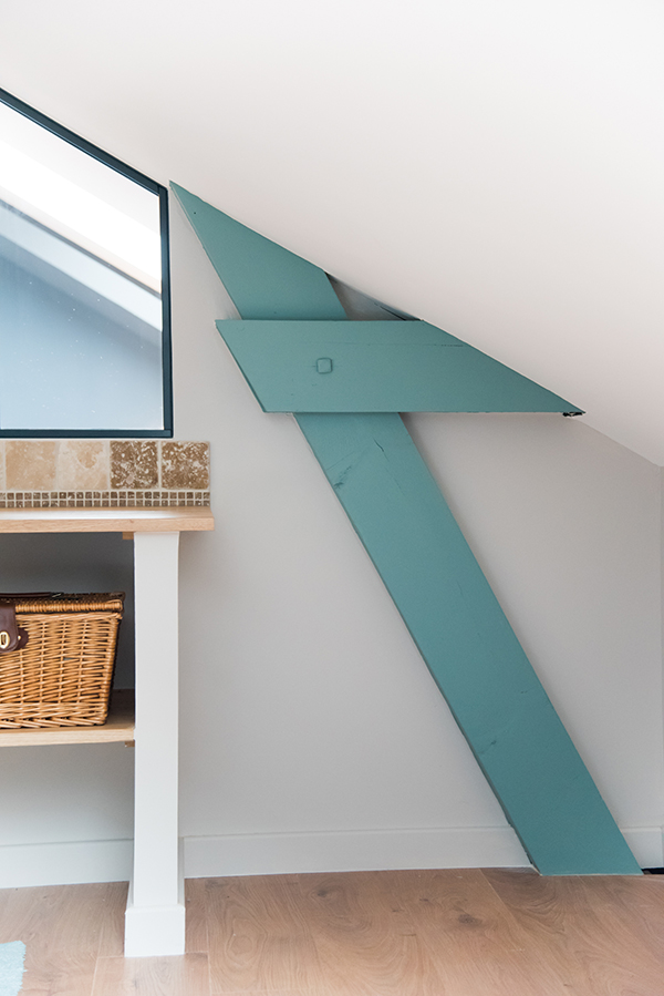 peinture int rieure d un appartement situ quai de versaille nantes poutre interieure. Black Bedroom Furniture Sets. Home Design Ideas