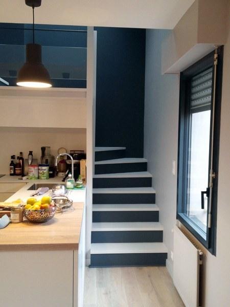 peinture d 39 un escalier dans un appartement quai de versailles nantes peintre d corateur. Black Bedroom Furniture Sets. Home Design Ideas