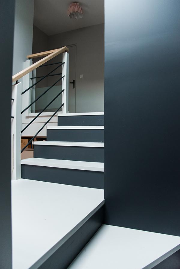 Peinture intérieure d'un appartement situé quai de Versaille à Nantes – cage d'escalier interieur